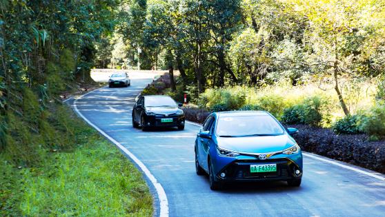 试驾雷凌双擎E+:新能源车也能出行无忧